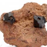 Augita -  Volcán de Rocanegra - Santa Pau - La Garrotxa - Girona - Catalunya - España - 6,3 x 5,5 x 3,2 cm (Autor: Martí Rafel)