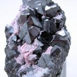 Alabandite, rhodochrosite Uchucchacua Mine, Oyon, Lima, Peru 60 mm x 59 mm x 46 mm (Author: Carles Millan)