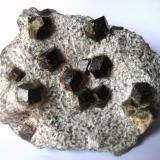 Almandine in mica schist Ziller valley, North Tyrol, Tyrol, Austria 160 x 120 x 60 mm (Author: Tobi)