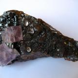 Fluorite, sphalerite Elmwood mine, Carthage, Central Tennessee Ba-F-Pb-Zn District, Smith Co., Tennessee, USA 100 x 65 x 55 mm (Author: Tobi)