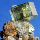 Fluorapatite Minas de Panasqueira, Barroca Grande, Portugal Cristal 1,5x 1,5 cm (Author: Enrique Llorens)