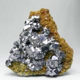 Galena con Siderita Turt, Satu Mare, Maramures, Rumania  Encontrada en 1999 Tamaño de la pieza: 5.4 × 5.2 × 1.3 cm. El cristal más grande mide: 0.6 × 0.5 cm. Foto: Minerales de Referencia (Autor: Jordi Fabre)