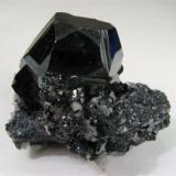 Hematites Wessels Mine (Wessel's Mine), Hotazel, Kalahari manganese fields, Northern Cape Province, Sudáfrica Pieza de 3,5cm x 3 cm y cristal 2 cm x 2 cm Pieza adquirida en Mayo de 2008 (Autor: Francisco Javier Ortiz)