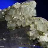 Apatito y cuarzo. Pieza flotante.  Minas de Panasqueira. Portugal.  8.5x6 cm. Cristal mayor 0.9 cm. (Autor: Juan Luis Castanedo)