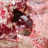 Cinabrio Minas de Almadén, Almadén, Ciudad Real, Castilla La Mancha, España. 5x5x1 cm. Detalle foto anterior. Col. y foto Nacho Gaspar. (Autor: Nacho)