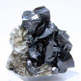 Cassiterite, muscovite, scheelite Ziyang mine, Xuebaoding, Huya, Pingwu, Mianyang, Sichuan, China 57 mm x 53 mm x 42 mm (Author: Carles Millan)