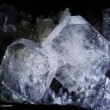 Apofilita y cuarzo.  Jalgaon. Maharastra. India.  16x9 cm. Cristal mayor 2.8 cm (Autor: Juan Luis Castanedo)