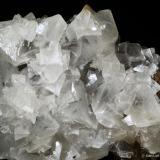 Calcita.  Mina Herculano. El Puntal. Atamaría. Sierra Minera de Cartagena-La Unión. Cartagena. España 11.3x8.5 cm. Cristal mayor 3.8 cm (Autor: Juan Luis Castanedo)