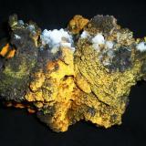 Goethita Limonitizada con cristales de Calcita.<br />Mina Trinidad, Cerros del Romeral y Pechón, Benalmádena-Mijas, Comarca Costa del Sol Occidental, Málaga, Andalucía, España<br />17x15 cm.<br /> (Autor: Laureano)