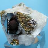 Carrollite, calcite, chalcopyrite Kamoya South II Mine, Kamoya, Kambove District, Katanga Copper Crescent, Katanga, Zaire 52 mm x 46 mm x 41 mm (Author: Carles Millan)