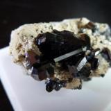 Rutilo Monte Kaspudzhik, Nakhchivan, Azerbaiyán 2 cm el cristal de Rutilo (Autor: javier ruiz martin)