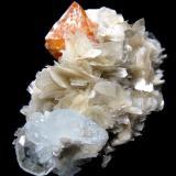 Scheelite, beryl, muscovite Xuebaoding, Huya, Pingwu, Mianyang, Sichuan, China 102 mm x 70 mm (Author: Carles Millan)