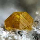 Wulfenite, Albuñuelas, Granada, Spain  2 mm (Author: Rewitzer Christian)