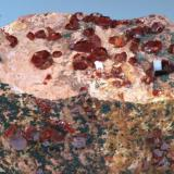 Vanadinita Coudya - Mibladen - Midelt - Marruecos 130 x 50 x 40 mm (Autor: Joan Martinez Bruguera)