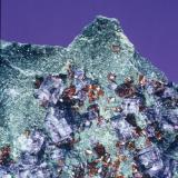 Fluorite & sphalerite Bluffton Stone Co. quarry, Bluffton, Ohio, USA 5 cm field of view (Author: John Medici)