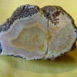 Agate ( quartz) Khur , Iran 9 cm (Author: h.abbasi)