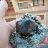 Granate Cabezo Negro de Abarán, Murcia, España Diámetro aproximado del granate 4,5-5 cm. (Autor: Andres Alcaraz)