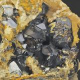 Esfalerita y Cuarzo Túnel José Maestre. Sierra Minera de Cartagena- La Unión. Portman. Murcia. España. 60 x 45 mm Recolectada en 2000 (Autor: Daniel Agut)