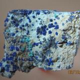 Azurite , Malachite Komshejeh Mine (Komshecheh Mine), Komshejeh (Komshecheh), Ardestan County, Esfahan Province (Isfahan Province; Aspadana Province), Iran 4 * 5 with Manganese Oxides (Var: Manganese Dendrites) and Quartz (Author: h.abbasi)