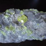 Azufre Laredo, Cantabria, España pieza de 13 cm x 6 cm  cristal 20 mm x 16 mm detalle pieza anterior (Autor: PabloR)