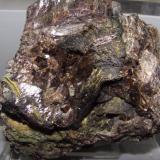 Axinita<br />Barranc de les Collades, Pantà d'Escales, Casterner de les Olles, Tremp, Comarca Pallars Jussà, Lleida / Lérida, Catalunya, España<br />12x10x8 cm<br /> (Autor: jaume.vilalta)