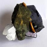 Calcopirite, Ferberite, Siderite, Quartz Panasqueira Mine, Barroca Grande, Portugal 6x4 cm (Author: Enrique Llorens)