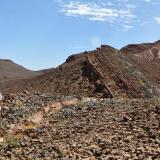En este lugar se ecuentran muchos trilobites, cerca de la carretera de Alnif a Mecissi. Fot. K. Dembicz. (Autor: Josele)