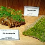 Pyromorphite from German localities L: Schauinsland, Black Forest / R: Tanzfleck, Bavaria L: 6,5 cm / R: 5,5 cm (Author: Tobi)