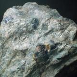 Granate almandino en matriz Mina de Bama - Touro - A Coruña - Galicia - España 100 x 100 x 45 mm (Autor: Joan Martinez Bruguera)