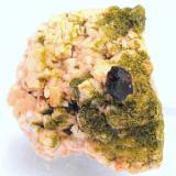 Almandino, Clinozoisita, Microclina, Albita y Cuarzo -  Viladrau - Montseny - Osona - Girona - Catalunya - España - 3,1 x 2,6 x 2,1 cm (Autor: Martí Rafel)