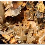 Aragonito Minas de Ojos Negros, Teruel, España Cristales de hasta 2 cm. Recolectado en 1994. (Autor: Rafa Muñoz(mineralvarado))