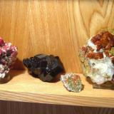 Garnet: grossular from Mexico, melanite from Mali, grossular from Canada, hessonite from Czech Repuclic, spessartine from Pakistan (Author: Tobi)