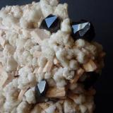 Cuarzo, Microclina y Clevelandita Sawtooth Range, Stanley, Idaho, USA 15 x 12 cm.  Detalle (Autor: javier ruiz martin)