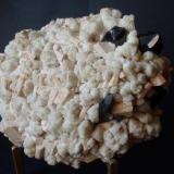Cuarzo, Microclina y Clevelandita Sawtooth Range, Stanley, Idaho, USA 15 x 12 cm. (Autor: javier ruiz martin)