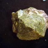 "Uraninita Mina ""Diéresis"", nº 9424, Paraje ""Sierra de la Albarrana-Puerto del Cabril"", Hornachuelos, Córdoba, Andalucía, España Cristal de 2 cm (Autor: Antonio Carmona)"