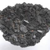 Augita -  Volcán de Rocanegra - Santa Pau - La Garrotxa - Girona - Catalunya - España - 3,9 x 3,1 x 1,4 cm (Autor: Martí Rafel)