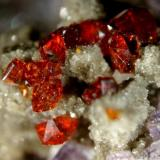 Sphalerite on Fluorite Bluffton Stone Co. Quarry, Bluffton, Richland Township, Allen County, Ohio, USA micro Photo: Marc C (Author: Jordi Fabre)