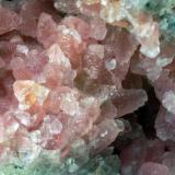 Calcita cobaltifera Bou Azzer - Tazenakht - Ouarzazate - Souss/Massa/Drâa - Marruecos 90 x 85 x 60 mm Detalle (Autor: Joan Martinez Bruguera)
