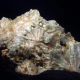 Vesuvianita<br />Mines de Can Montsant, Can Montsant (Massís del Montnegre), Hortsavinyà, Tordera, Maresme, Barcelona, Catalunya, España<br />55 x 35 x 23 mm<br /> (Autor: Joan Martinez Bruguera)