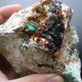 Malaquita sobre cuarzo Minas de la Presura, Soto de Espinilla, Hermandad de Campoo de Suso, Cantabria, España cristal 13mm (Autor: PabloR)