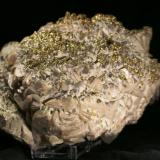 Calcita con pirita y calcopirita Mina Moscona, Solís, Zona Minera de Villabona, Corvera de Asturias, Asturias, España 16 x 12 x 10 cm (Autor: DavidSG)
