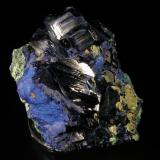 Azurita. Tsumeb, Namibia. 9,5x6,7x6 cm. Cristales hasta 3 cm, con malaquita. Col. y foto Nacho Gaspar. (Autor: Nacho)