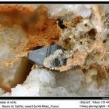 Anatase et rutile Talèfre glacier, Mont Blanc, Chamonix, Haute-Savoie, Rhône-Alpes, France fov 4 mm (Author: ploum)