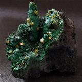 Wulfenite on Malachite on Goethite, with Calcite.. Whim Creek, Pilbara Region, Western Australia, Australia. 45 x 35 mm (Author: nurbo)