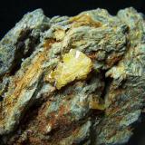 Wulfenita Mina Laura - Los Lastonares - Albuñuelas - Granada - España 7,5 x 4,5 cm ( Cristal de 1,5 x 0,8 cm) Detalle del cristal. (Autor: panchito28)