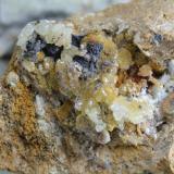 Hemimorfita Minas de Udías, Udías, Cantabria, España. Cristal mayor 1 cms. (Autor: Gelo)