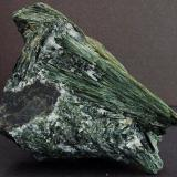 Actinolite. Vegarshei, Aust-Agder, Norway. 80 x 60 mm (Author: nurbo)