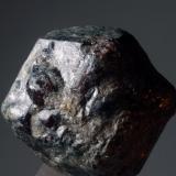 Granate Mina de Bama - Touro - A Coruña - Galícia - España 38 x 35 x 35 mm Granate (Cristal). Intercambiada en el 2012. Colección y Fotografía de Joan Martinez Bruguera (Autor: Joan Martinez Bruguera)
