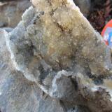 Druzy quartz, the other part of the pocket. (Author: vic rzonca)