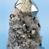 Pyrite, quartz, calcite? Huanzala Mine, Huallanca District, Dos de Mayo Province, Huánuco Department, Peru 71 mm x 52 mm (Author: Carles Millan)